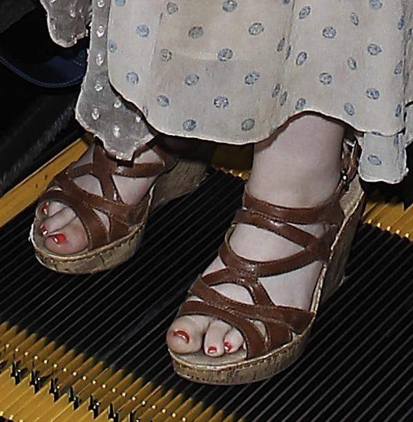 Abigail Breslin shoes LAX Jul 21