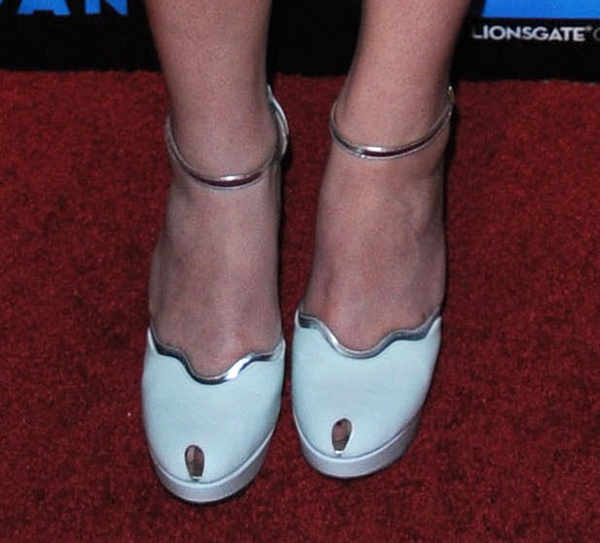 Hailee Steinfeld wearing Robert Clergerie Spring 2013 Lulaby shoes