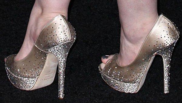 Abigail Breslin shows off her feet in Jimmy Choo heels