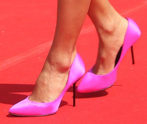 Nicole Scherzinger wearing pink Pedro Garcia 'Rosette' pumps