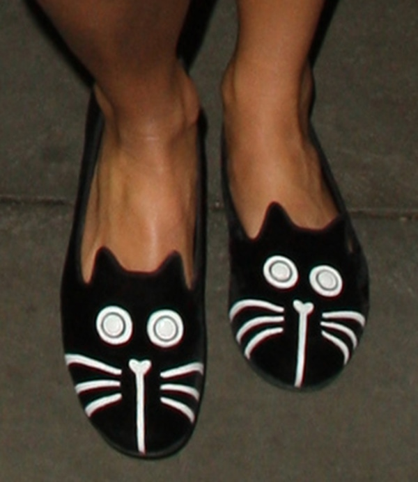 Pixie Lott's cat-face slippers