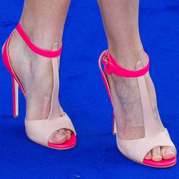 Rosamund Pike's toes in Elie Saab t-strap sandals