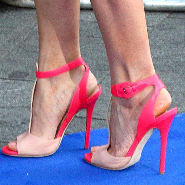 Rosamund Pike's feet in Elie Saab t-strap sandals