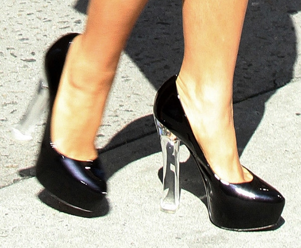 Salma Hayek wearing black patent leather pumps from Casadei