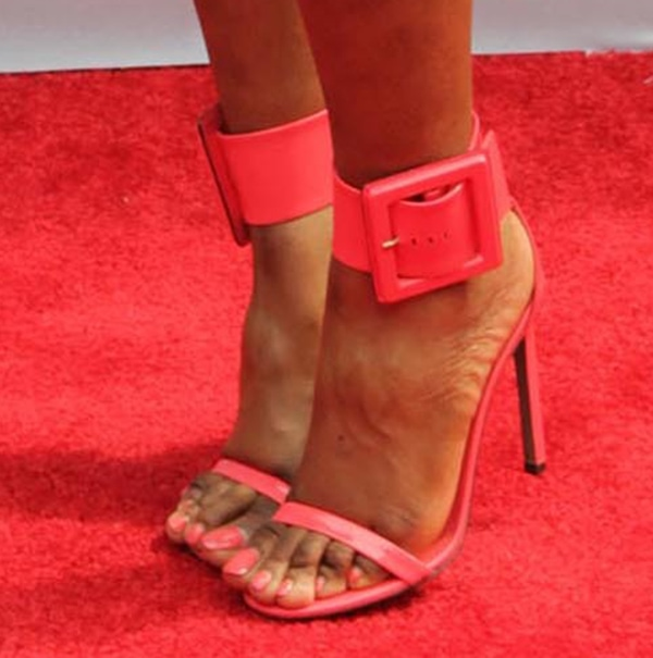 Sevyn Streeter shows off her feet in pink Gucci sandals