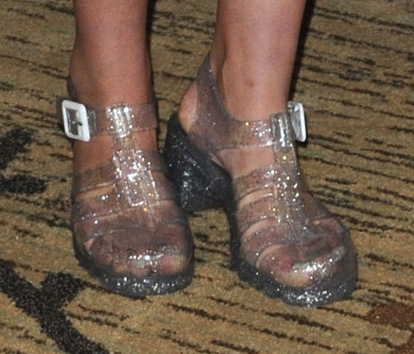 Willow Shields shoes Comic Con 13