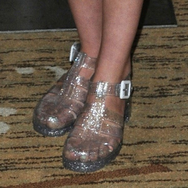 Willow Shields shoes2 Comic Con 13