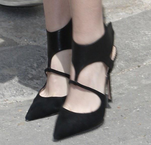 Kristen Stewart wearing sexy Jean-Michel Cazabat Evengelina heels
