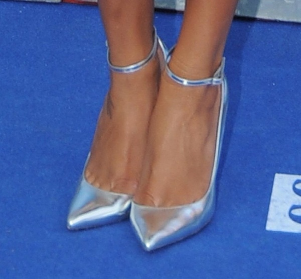 Naya Rivera reveals toe cleavage in show-stopping heels from Monika Chiang