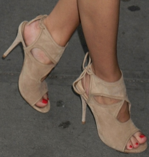 olivia palermo girl most likley premiere sandals