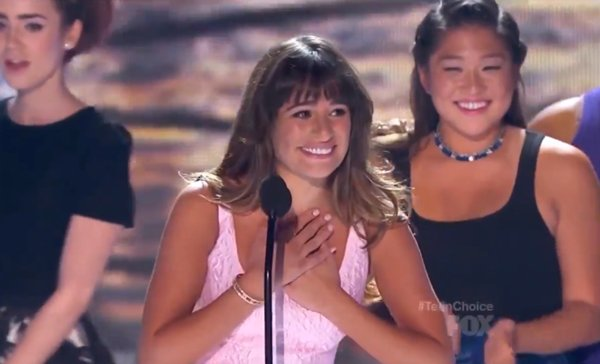 Lea Michele snagged the Best Actress (Comedy) award at the Teen Choice Awards