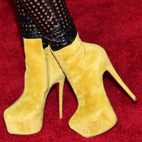 Lil Kim in Christian Louboutin Daf Booty heels