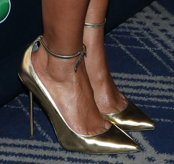 Mel B revealed toe cleavage in Monika Chiang pumps