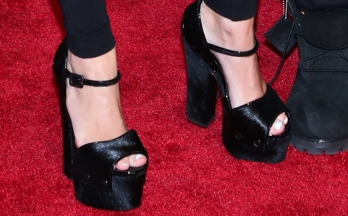 Miley Cyrus wearing platform sandals from Giuseppe Zanotti's Fall 2013 collection