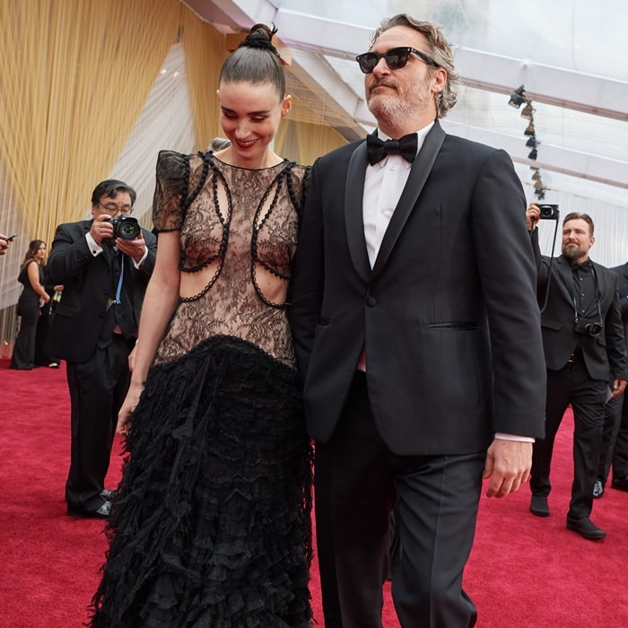 Rooney Mara and Joaquin Phoenix on the red carpet before the 2020 Academy Awards