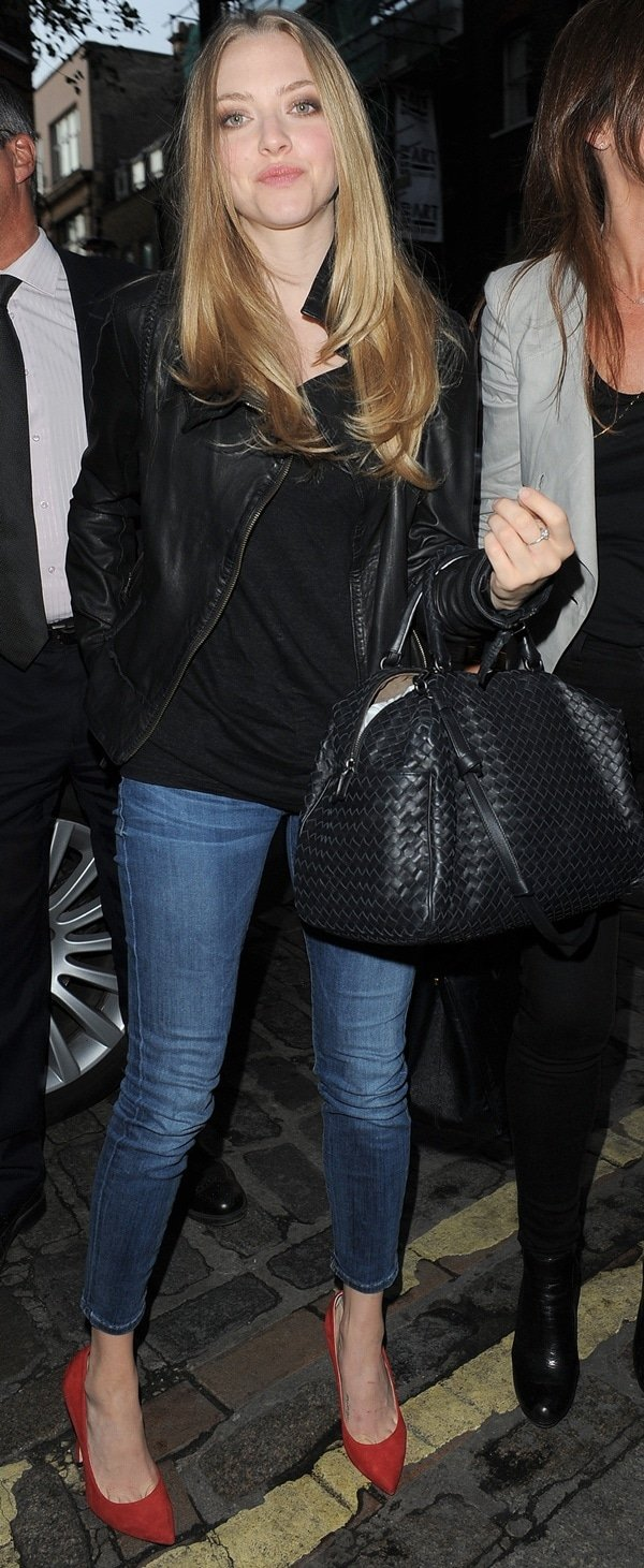 Amanda Seyfried arriving at Yauatcha restaurant in Soho