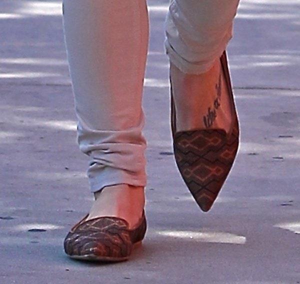 Ashley Greene seen heading to the nail salon
