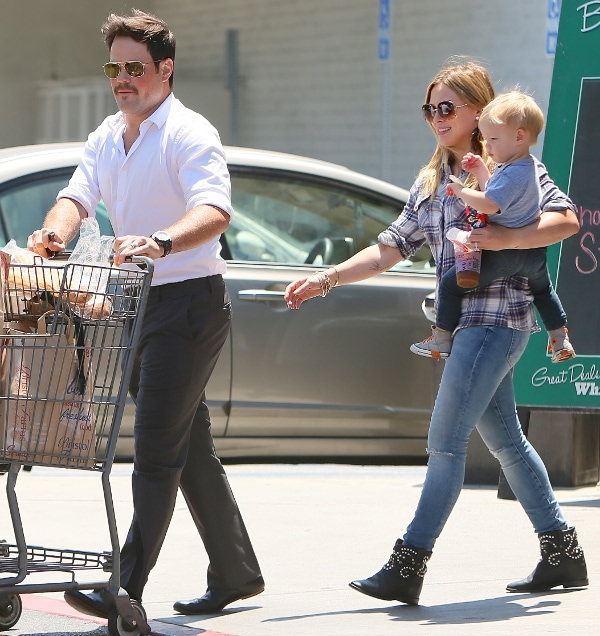 Hilary Duff with husband Mike Comrie and son Luca at Bristol Farms in Hollywood on August 8, 2013