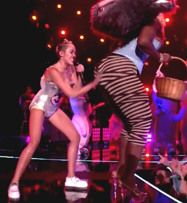 For her performances, Miley gave the sandals some rest and switched into a pair of mystery creepers