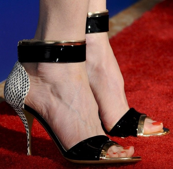 Nicole Kidman in stunning gold-trimmed ankle-strap sandals from Nicholas Kirkwood