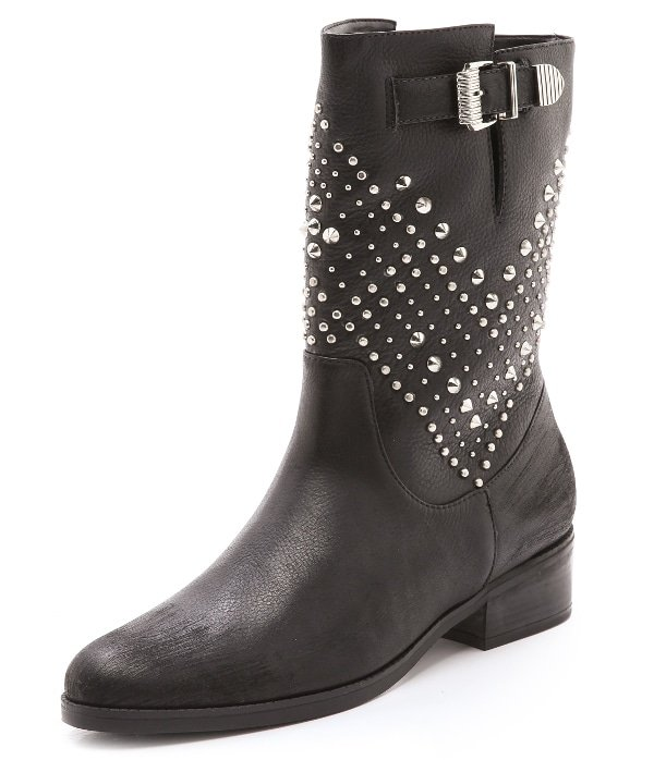 ff0c421f6dd Cowgirl Chic Hilary Duff's Studded Boots and Ripped Jeans