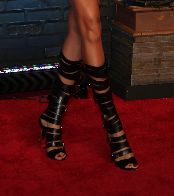 Joan Smalls showed off her feet in Casadei gladiator sandals