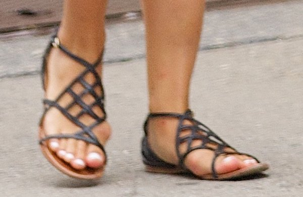 Dianna Agron wears black flats by Tory Burch
