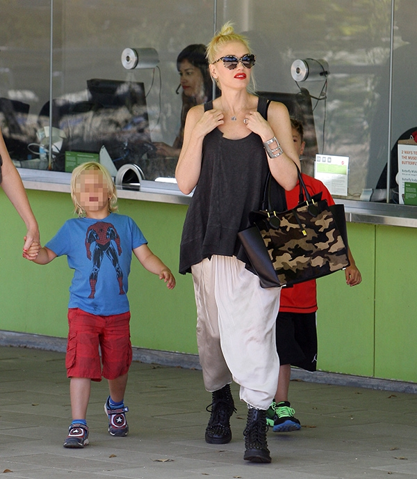 Gwen Stefani take her sons to a museum in Los Angeles