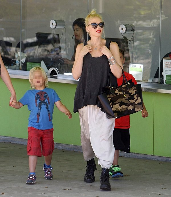 Gwen Stefani takes her sons to the Natural History Museum in Los Angeles on August 29, 2013