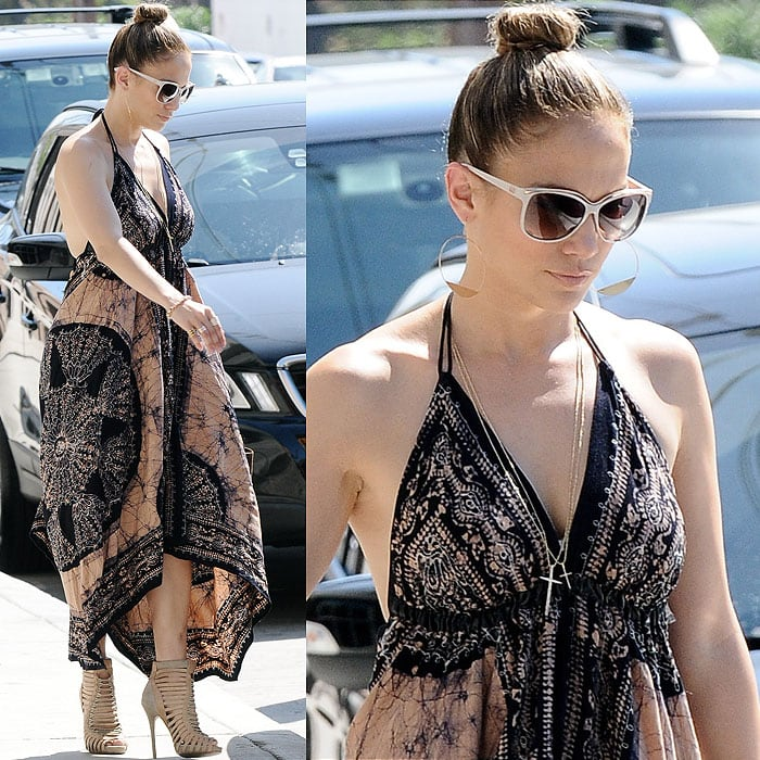 Jennifer Lopez heading to a recording session with Robin Thicke at a studio in Los Angeles, California, on September 15, 2013
