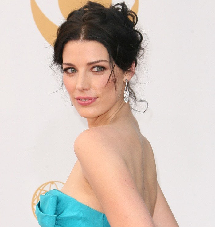 Jessica Pare attends the 2013 Emmy Awards