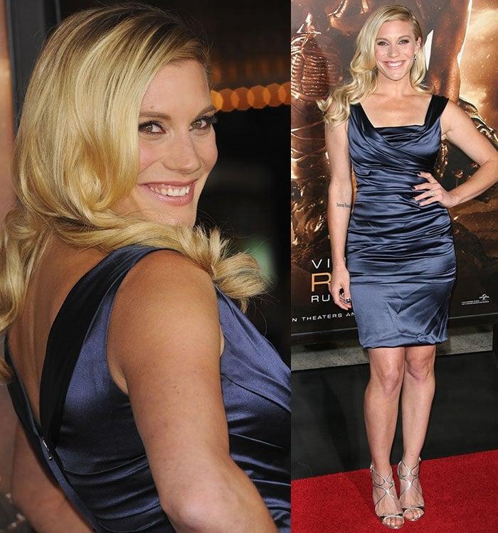 "Katee Sackhoff wears her blonde hair down at the premiere of ""Riddick"""
