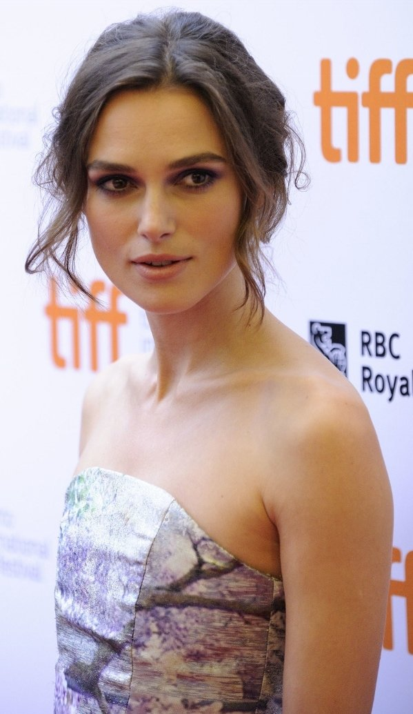 Keira Knightley's messy updo and smoky eyes