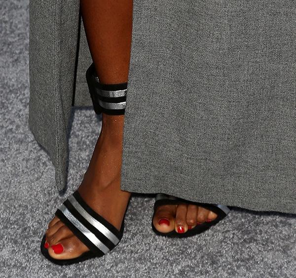 Kelly Rowland showing off her feet in Saint Laurent heels