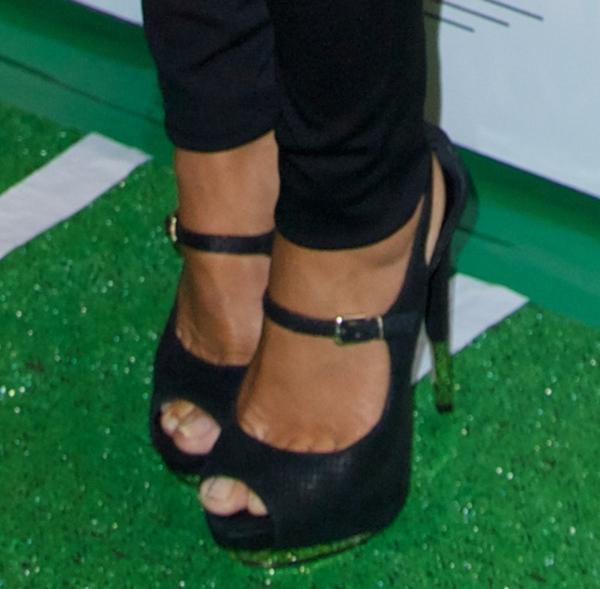 Melissa Gorga's sexy feet in black shoes