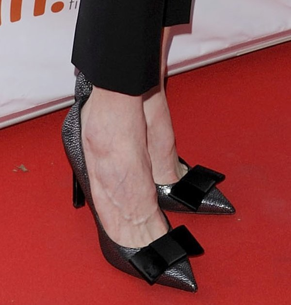 Nicole Kidman's sexy feet in Louis Vuitton shoes