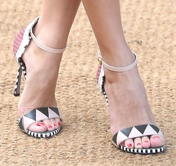 Olivia Palermo's pedicured toes in Sergio Rossi shoes