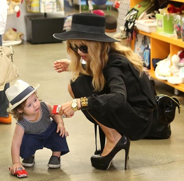 Rachel Zoe and her son Skyler Morrison Berman film a segment for her reality TV show on Robertson Blvd in Los Angeles, October 29, 2012