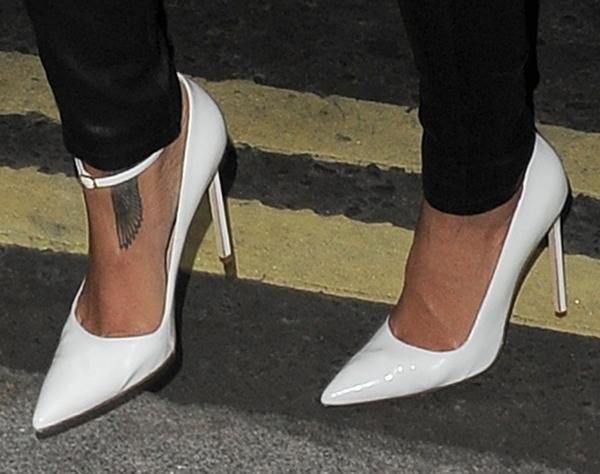 Rihanna arrives back at her hotel
