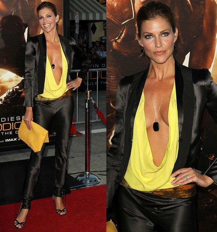 """Tricia Helfer wears her hair back at the premiere of """"Riddick"""""""