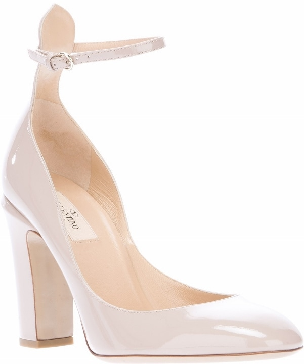 Nude Valentino Leather Pumps