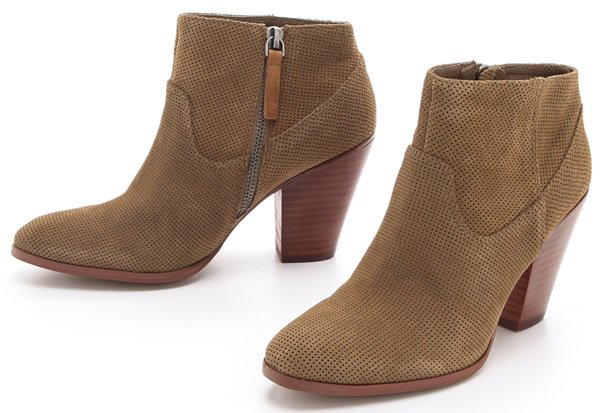 Dolce Vita Hattie Chunky-Heel Booties