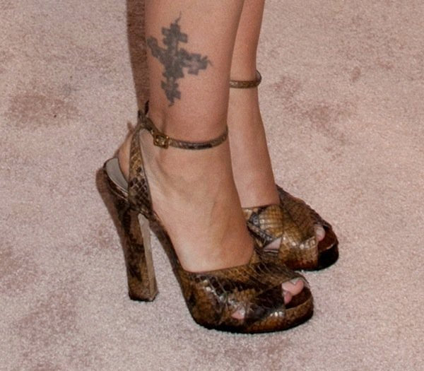 Drew Barrymore wearing Marc Jacobs high-heeled snakeskin sandals