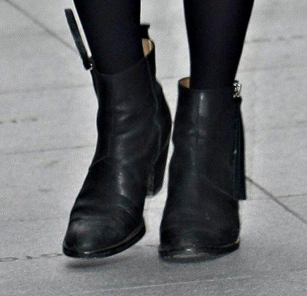 Fearne Cotton's black boots