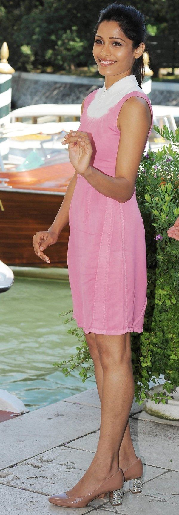 Freida Pinto was adorable in a cute pink-and-white sundress