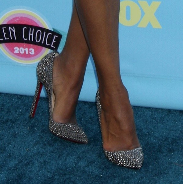 Kerry Washington's sexy feet inChristian Louboutin Pigalle Strass pumps