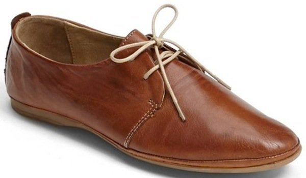 Miz Mooz Oxford Flats in Brandy