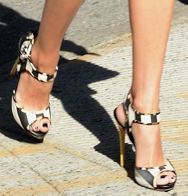 Olivia Palermo wearing Giuseppe Zanotti striped canvas sandals