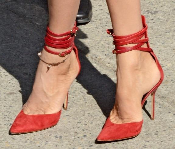Uma Thurman NYFW Spring 2014 Wrap Around ANkle Strap PUmps