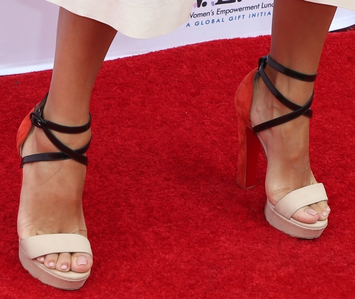 Eva Longoria's hot feet and toes in Christian Louboutin shoes